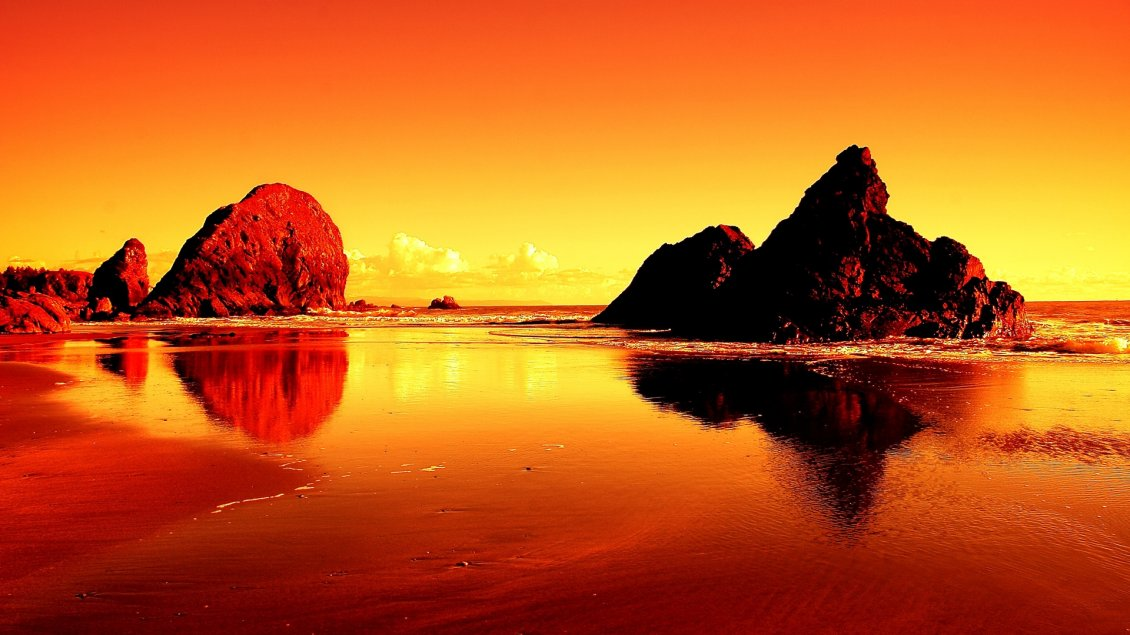 Download Wallpaper Sunset at the seaside, rocks and waves