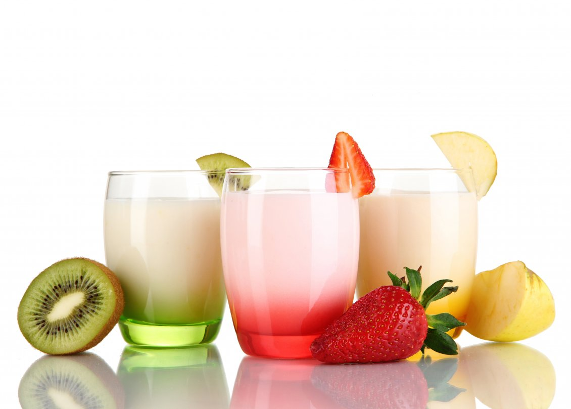 Download Wallpaper Fresh drink of Kiwi, Strawberry and Apple