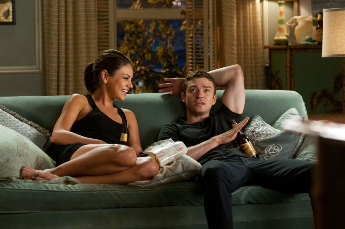 Download Wallpaper Friends with benefits - Justin Timberlake and Mila Kun