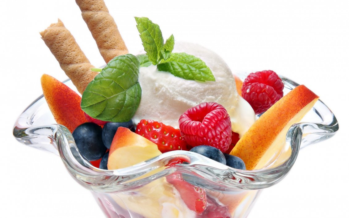 Vanilla Ice Cream With Fruits And Mint
