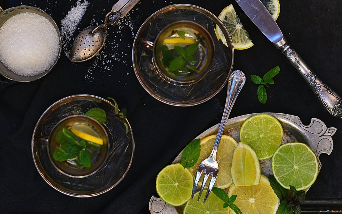 Download Wallpaper Fresh drink made of lemon, lime and mint