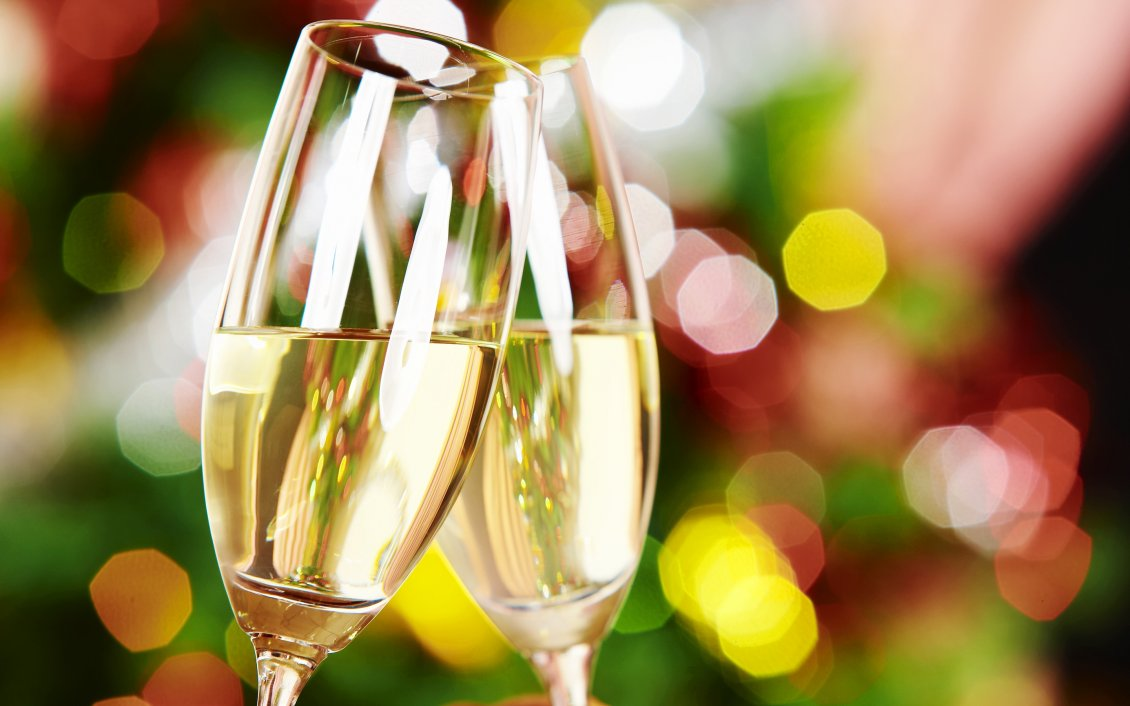 Download Wallpaper Two glasses of champagne for two lovers