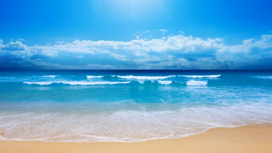 Download Wallpaper Summer time - small waves on the beach