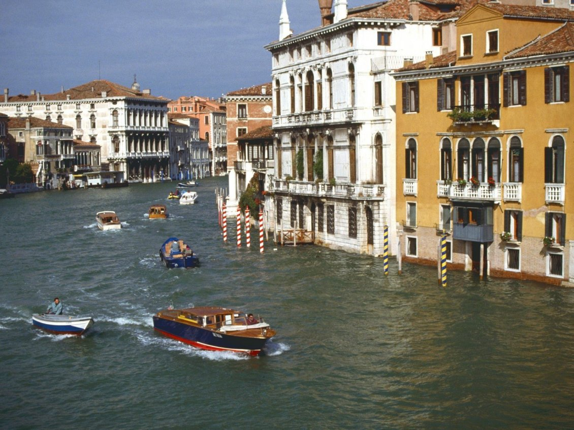 Download Wallpaper Buildings of Venice, Italy and speed boats on water