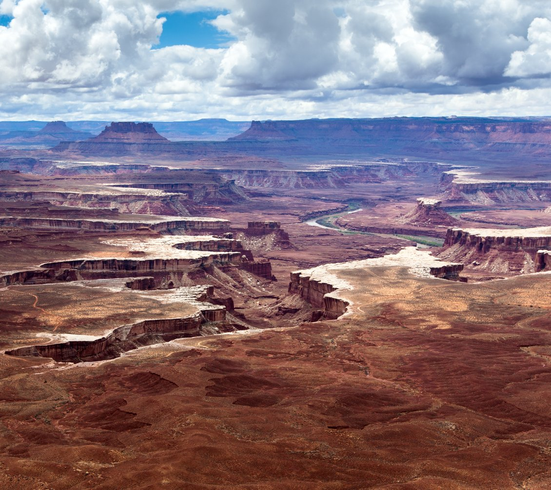 Download Wallpaper Awesome overview in the Canyonlands National Park