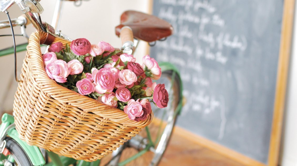 Download Wallpaper Many pink roses in the bicycle basket