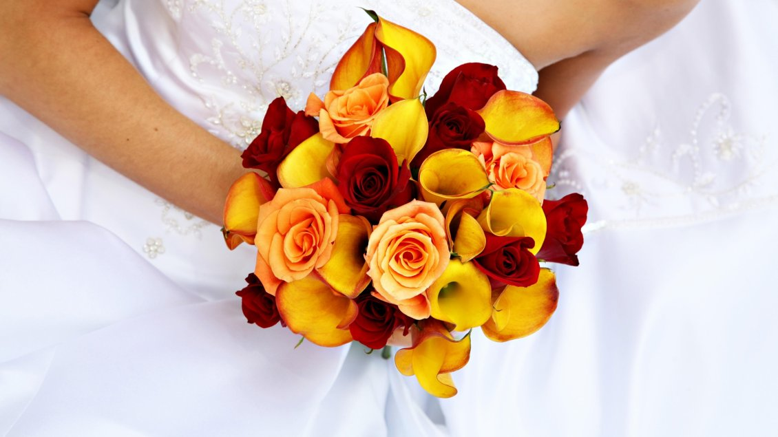Download Wallpaper A bridal bouquet made of yellow callas and red roses