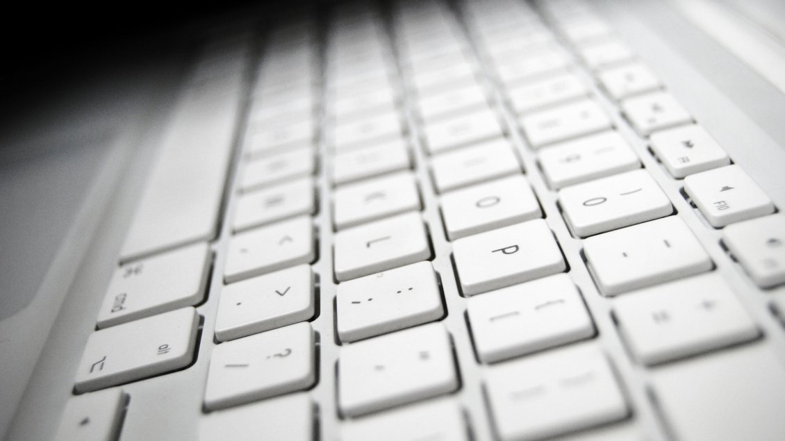 Download Wallpaper White keyboard for the Mac