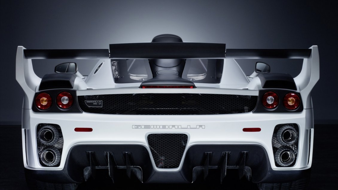 Download Wallpaper Gorgeous white Gemballa MIG-U1 back view