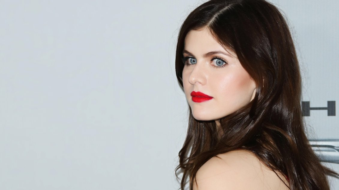 Alexandra Daddario Actress With Red Lips And Blue Eyes