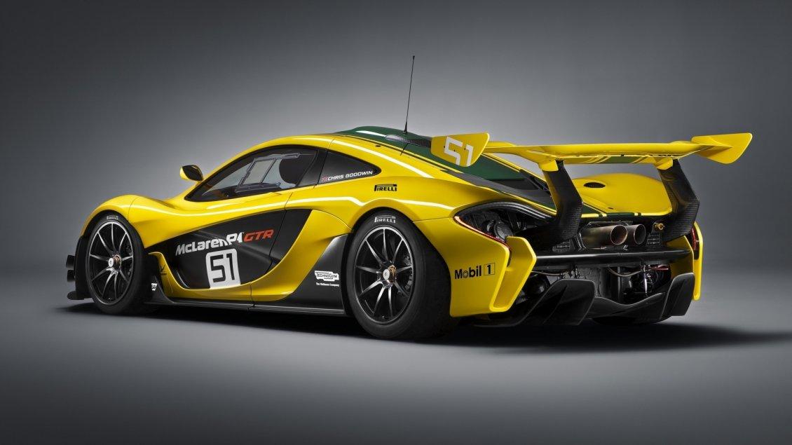 Yellow And Green Mclaren F1 Gtr Sport Car