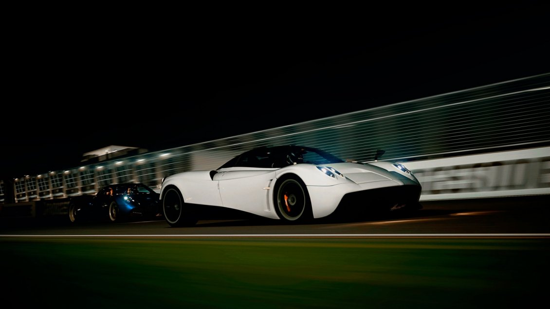 Download Wallpaper White gorgeous Pagani Huayra in night