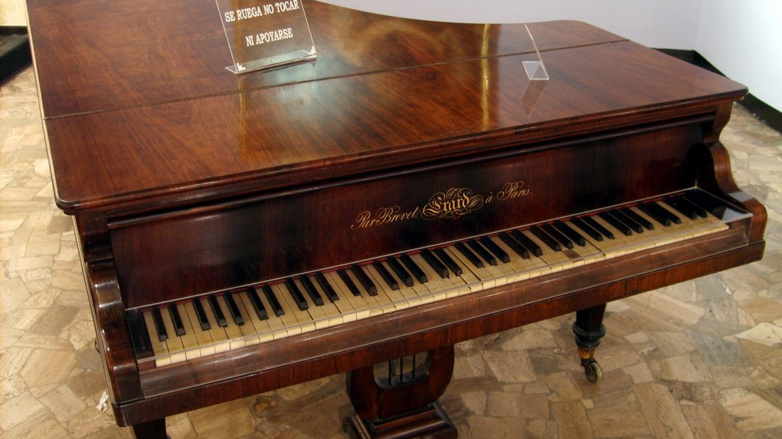 Brown Vintage Piano