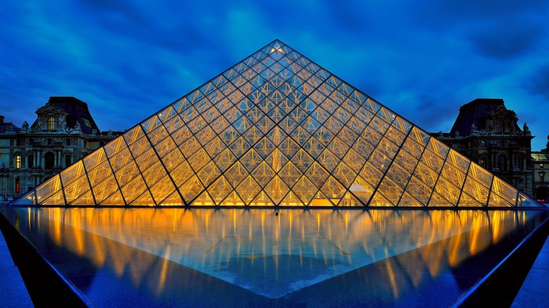 Download Wallpaper Louvre museum pyramid lighted in night