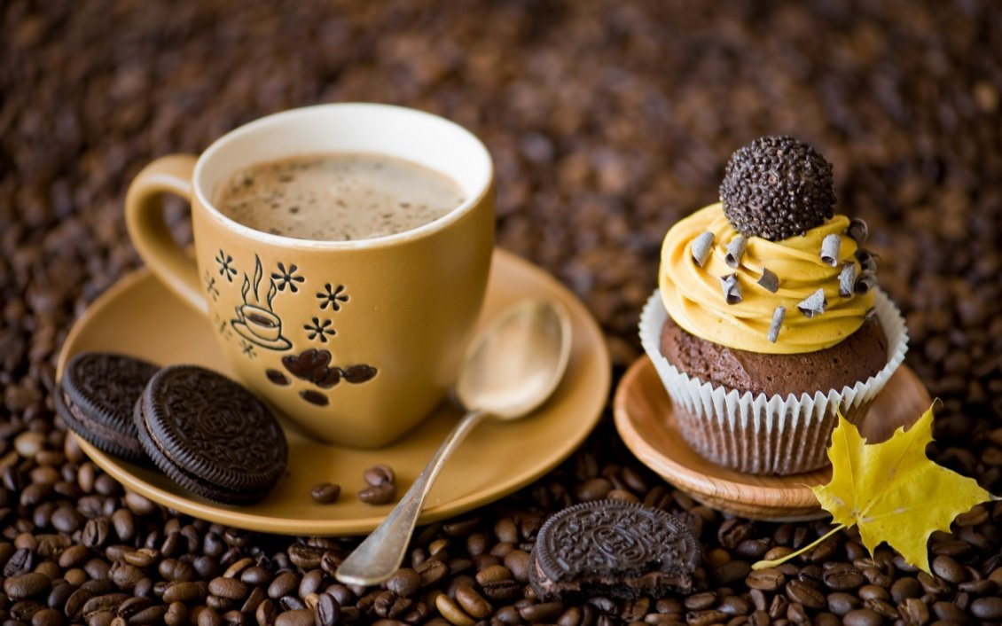Delicious Coffee And Sweet Dessert With Oreo Biscuits