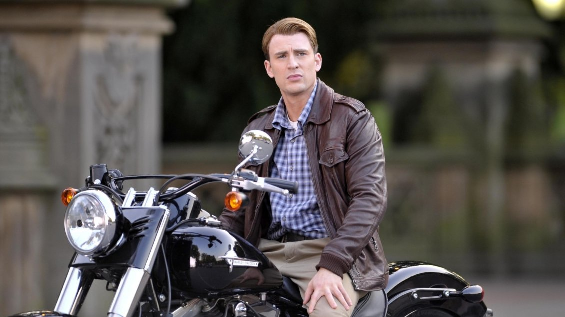 Download Wallpaper The actor Chris Evans on a motorcycle
