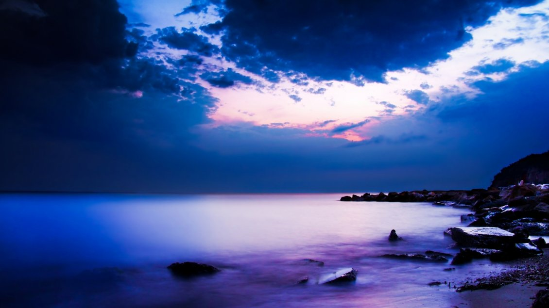 Download Wallpaper Amazing evening with purple sky in Cap Sani, Greece