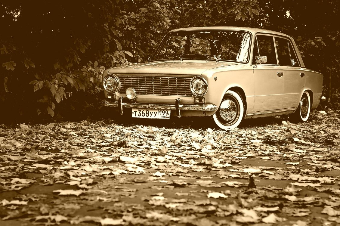 black and white wallpaper   old vintage car