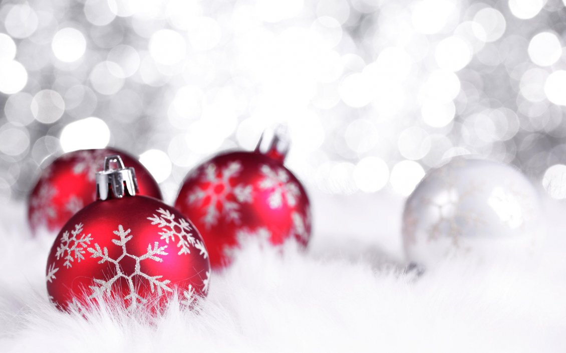 beautiful red christmas ornaments