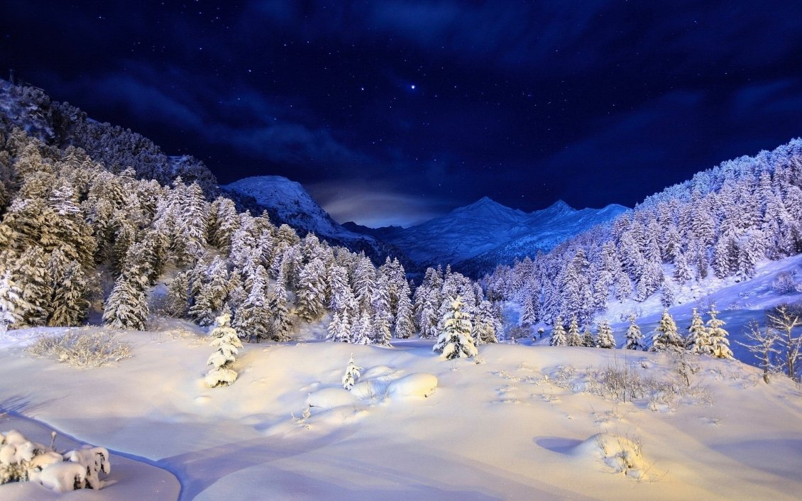 Download Wallpaper Beautiful winter night on the top of the mountain