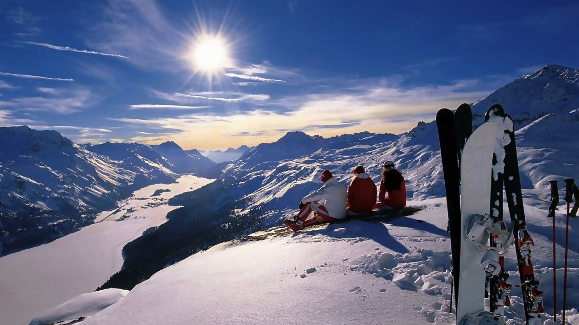 People looking at beautiful winter preview hd wallpaper for Looking for wallpaper