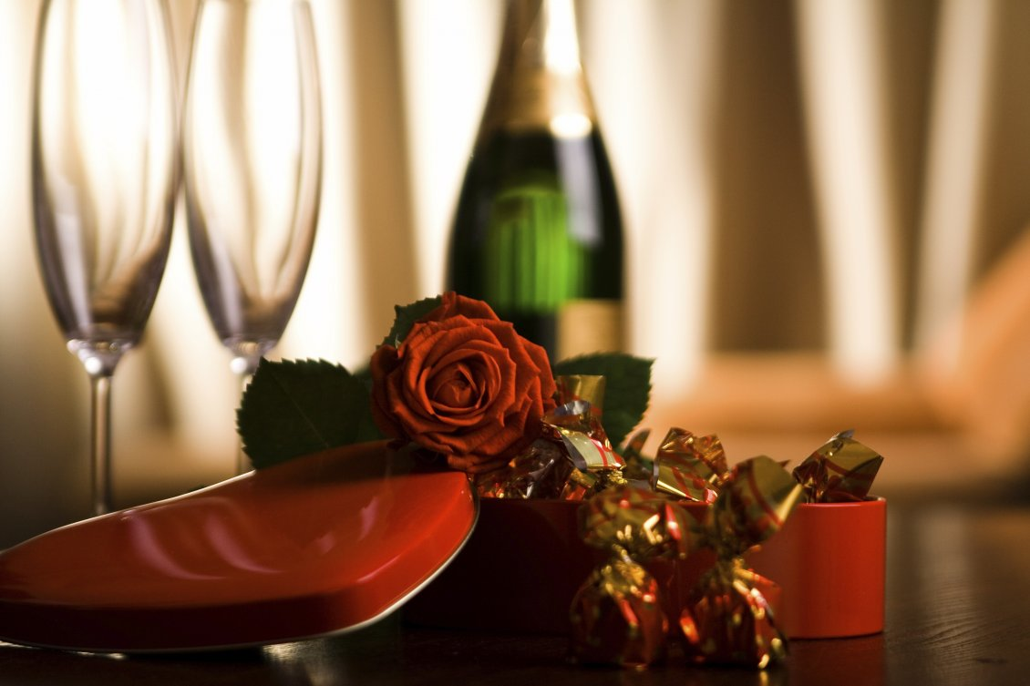 Download Wallpaper Champagne, chocolate and roses - Love Valentine's Day