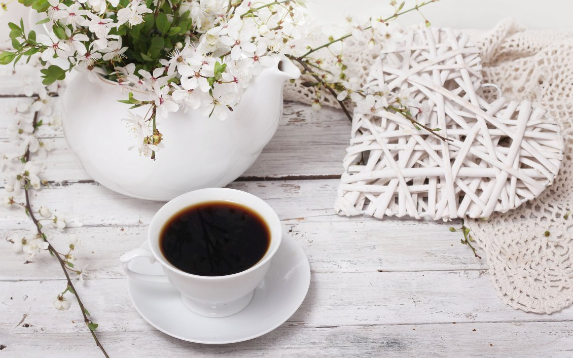 Download Wallpaper Spring flowers and a cup of coffee - special morning day