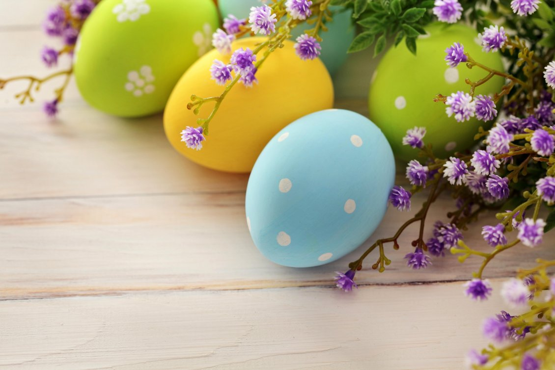 Beautiful Coloured Easter Eggs And Spring Flowers