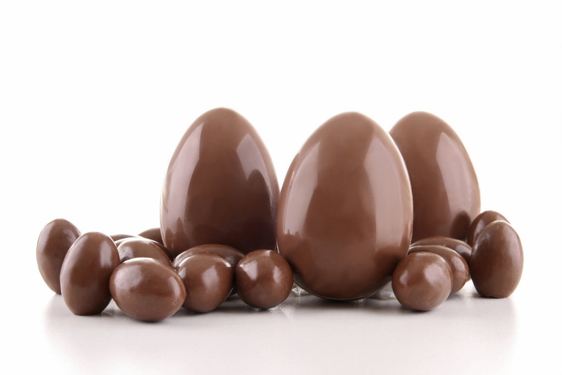 Different Kind Of Easter Chocolate Eggs Hd Wallpaper