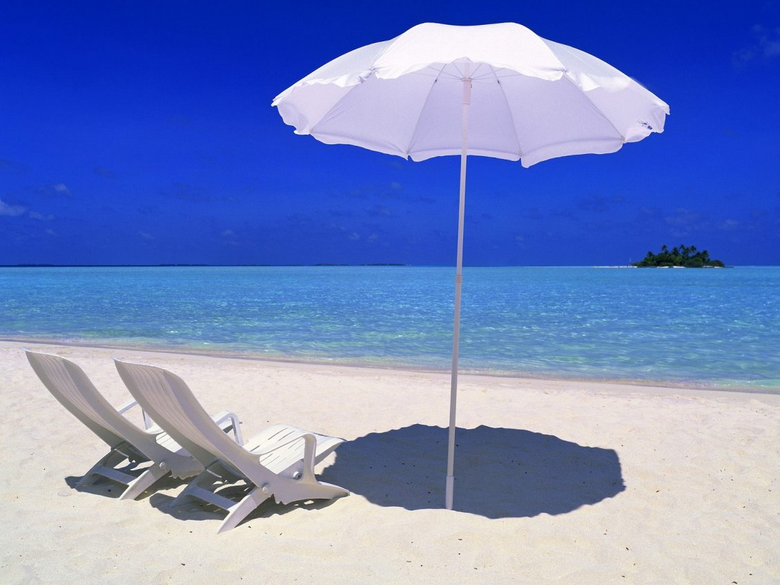 Download Wallpaper Two white sunbed and an umbrella - summer time