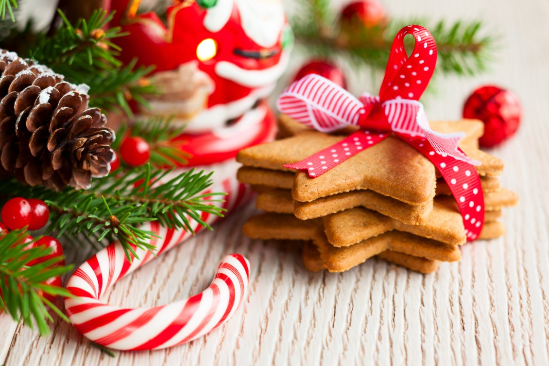 Download Wallpaper Ginger star biscuits for Christmas night - HD wallpaper