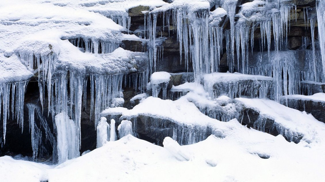 Sfondi Desktop Gratis Paesaggi Invernali >> Wonderful frozen waterfall - HD winter wallpaper