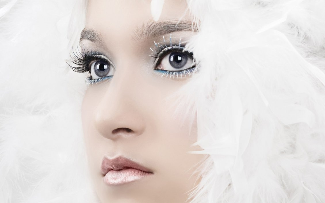 Download Wallpaper Perfect face - Wonderful winter make-up