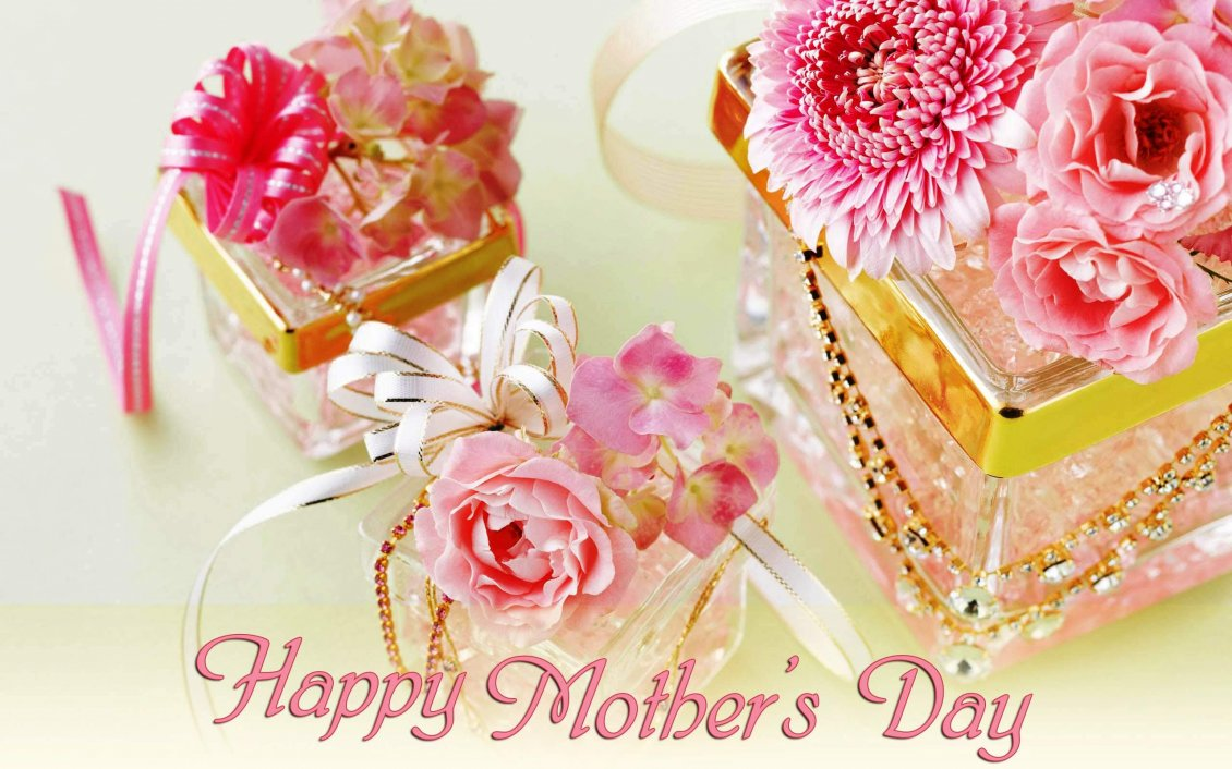 Download Wallpaper Perfume and flowers - Happy Mother's Day
