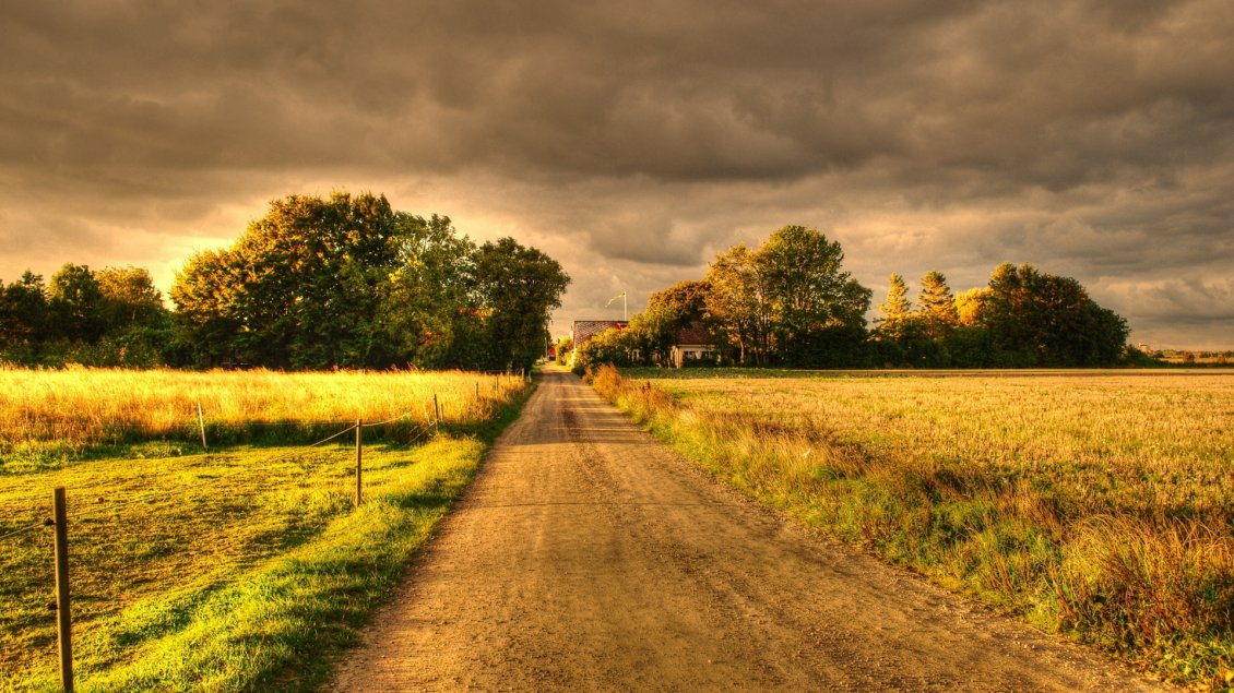 Download Wallpaper Sweet childhood - The country road through grandparents