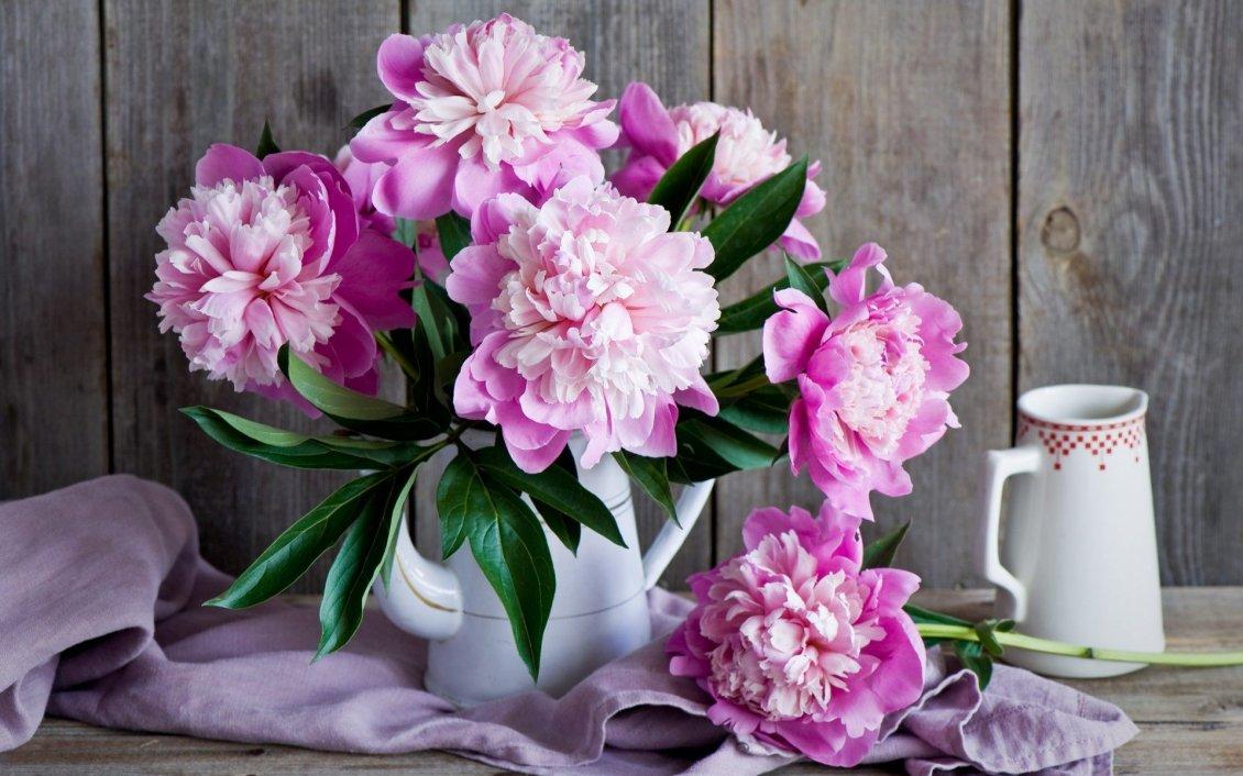 Download Wallpaper Wonderful pink flowers - Vintage objects on a wallpaper