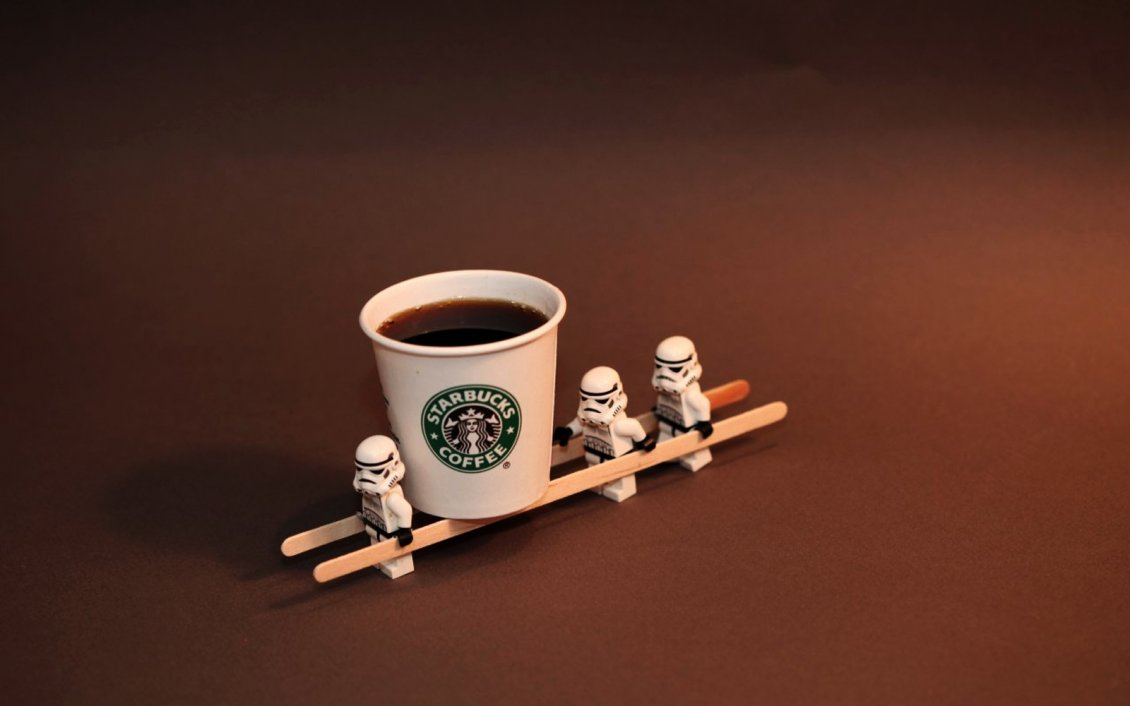 Download Wallpaper Little troupers from Star Wars and a dark Starbucks coffee