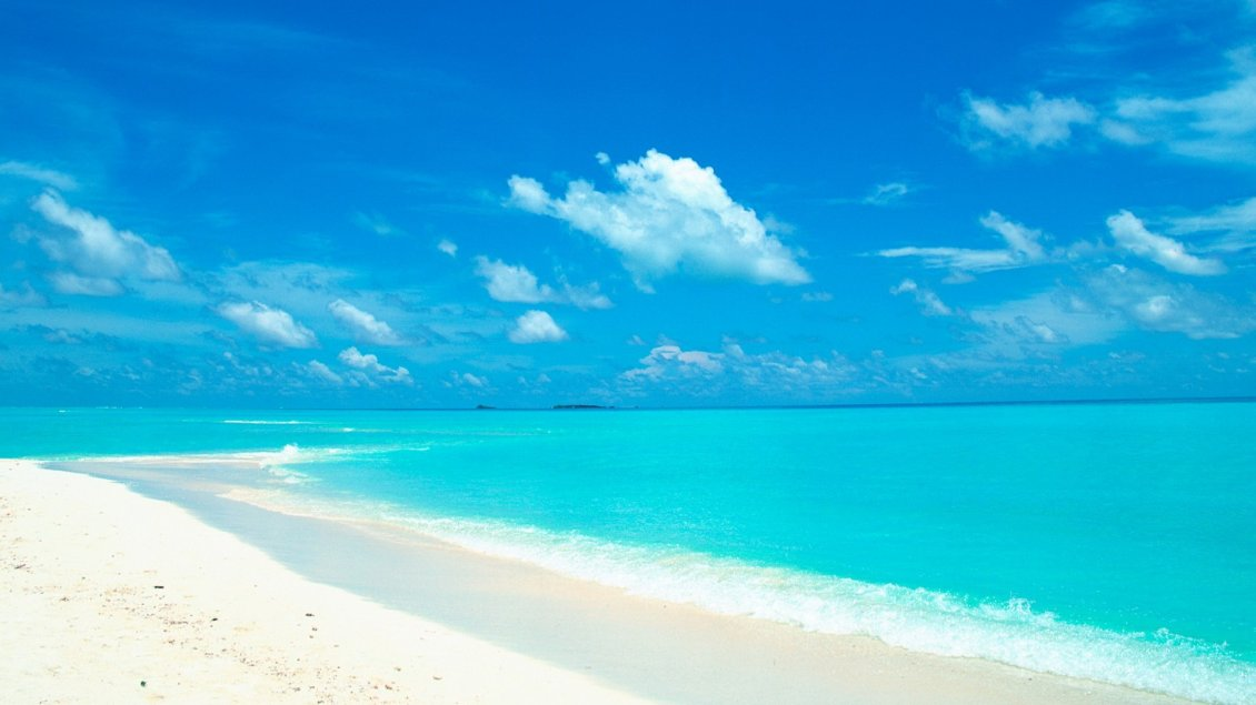 Download Wallpaper Azur ocean water - Summer Holiday at the beach