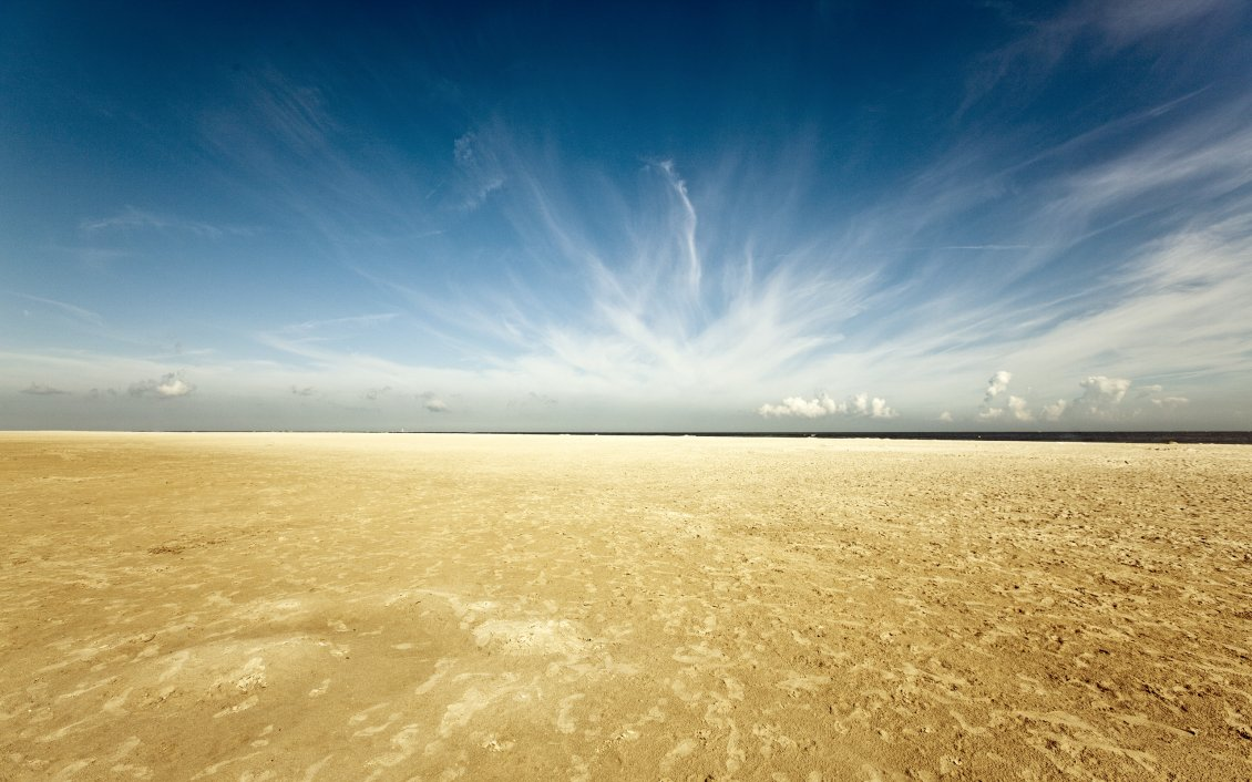 Download Wallpaper Golden sand in the desert - Wonderful clouds on the blue sky