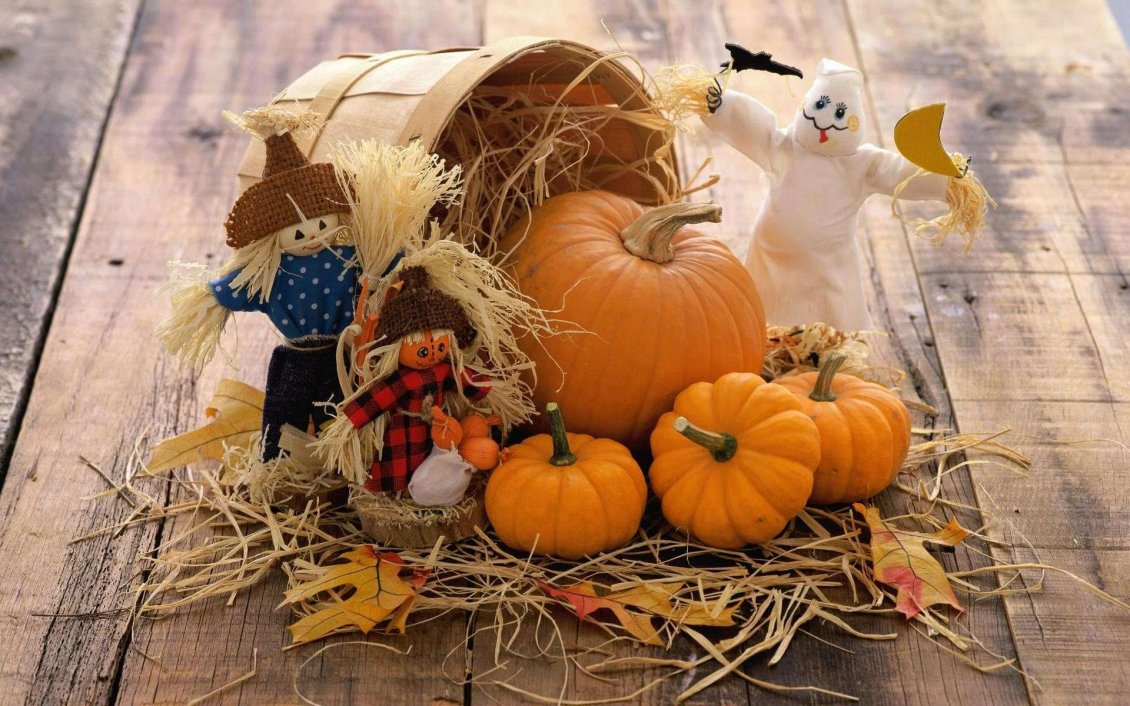 Download Wallpaper Funny scarecrow and Halloween pumpkins