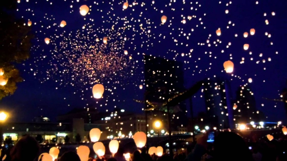 Download Wallpaper Millions candles in the sky - Wonderful lights in the night
