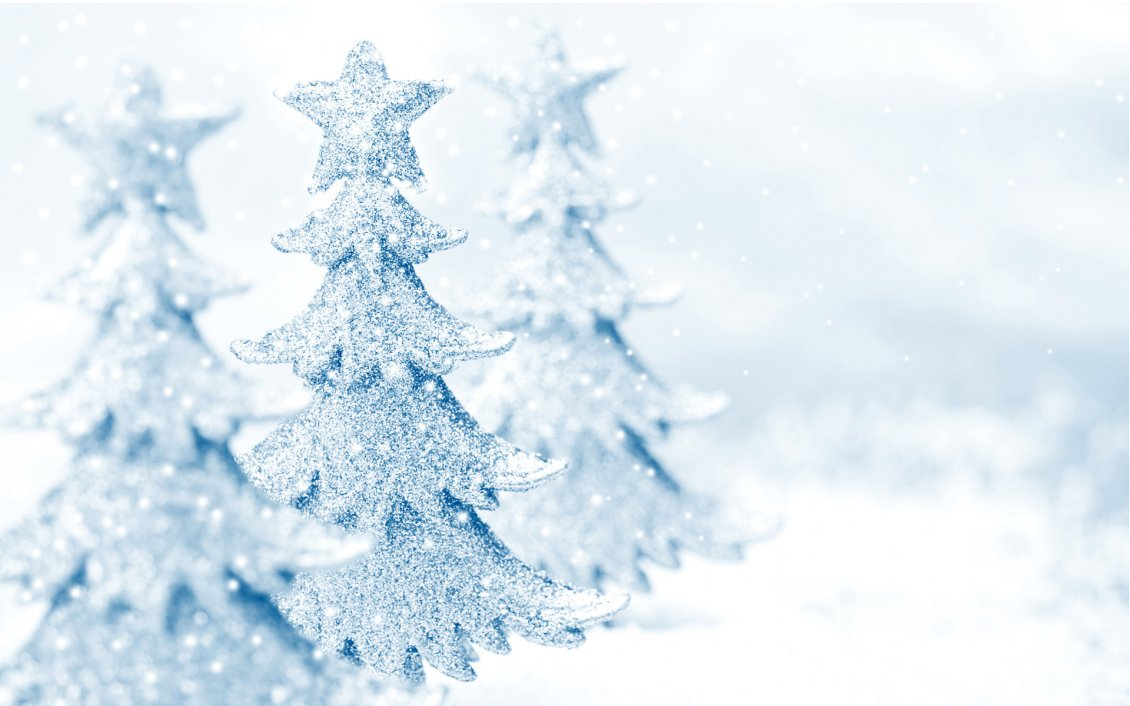 Download Wallpaper Wonderful white Christmas tree - Crystals snowflakes