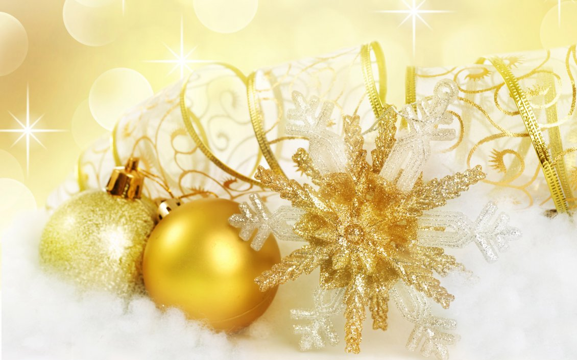 Download Wallpaper Golden Christmas and balls accessories - Happy gifts