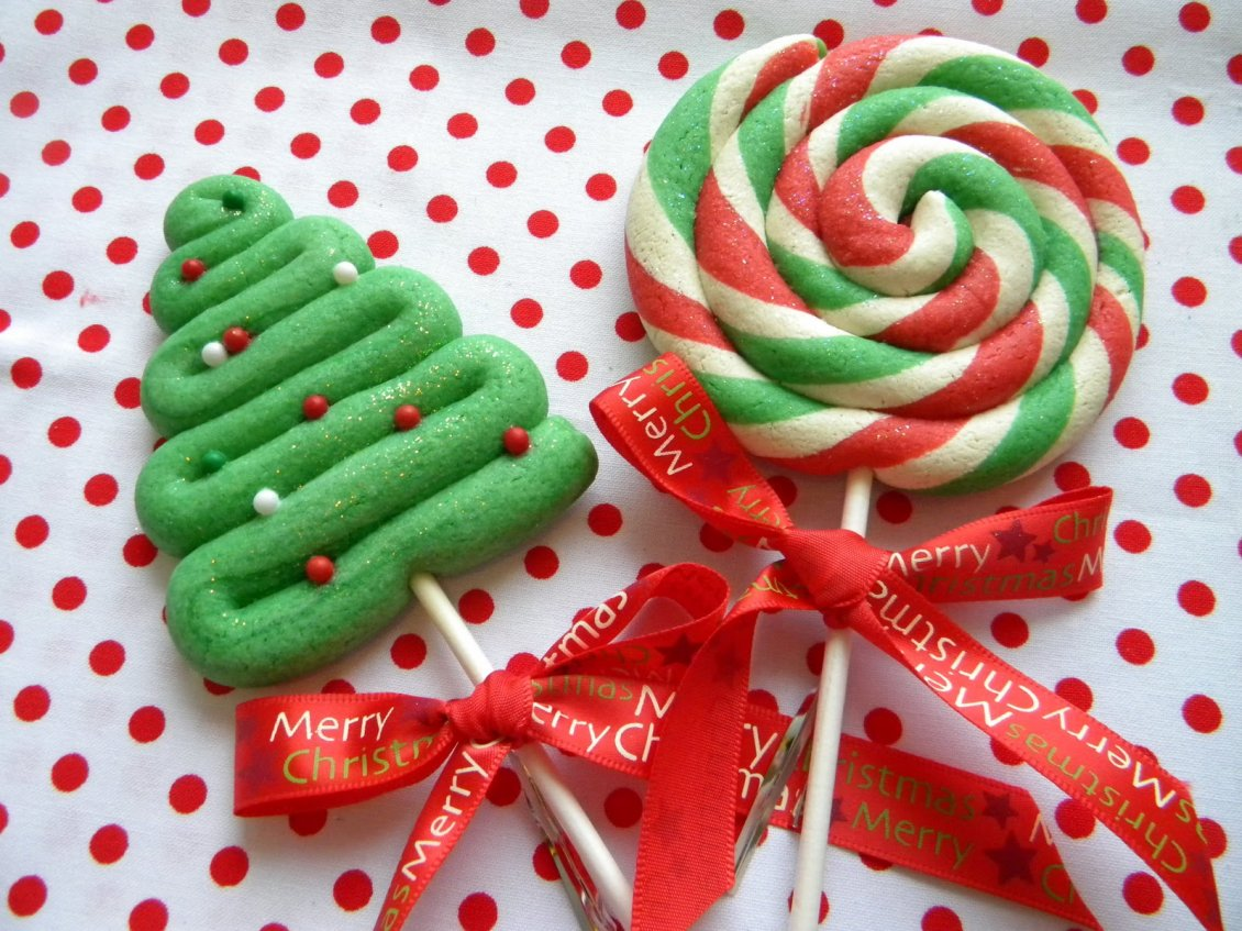 Download Wallpaper Happy winter holiday - Christmas candies on the stick