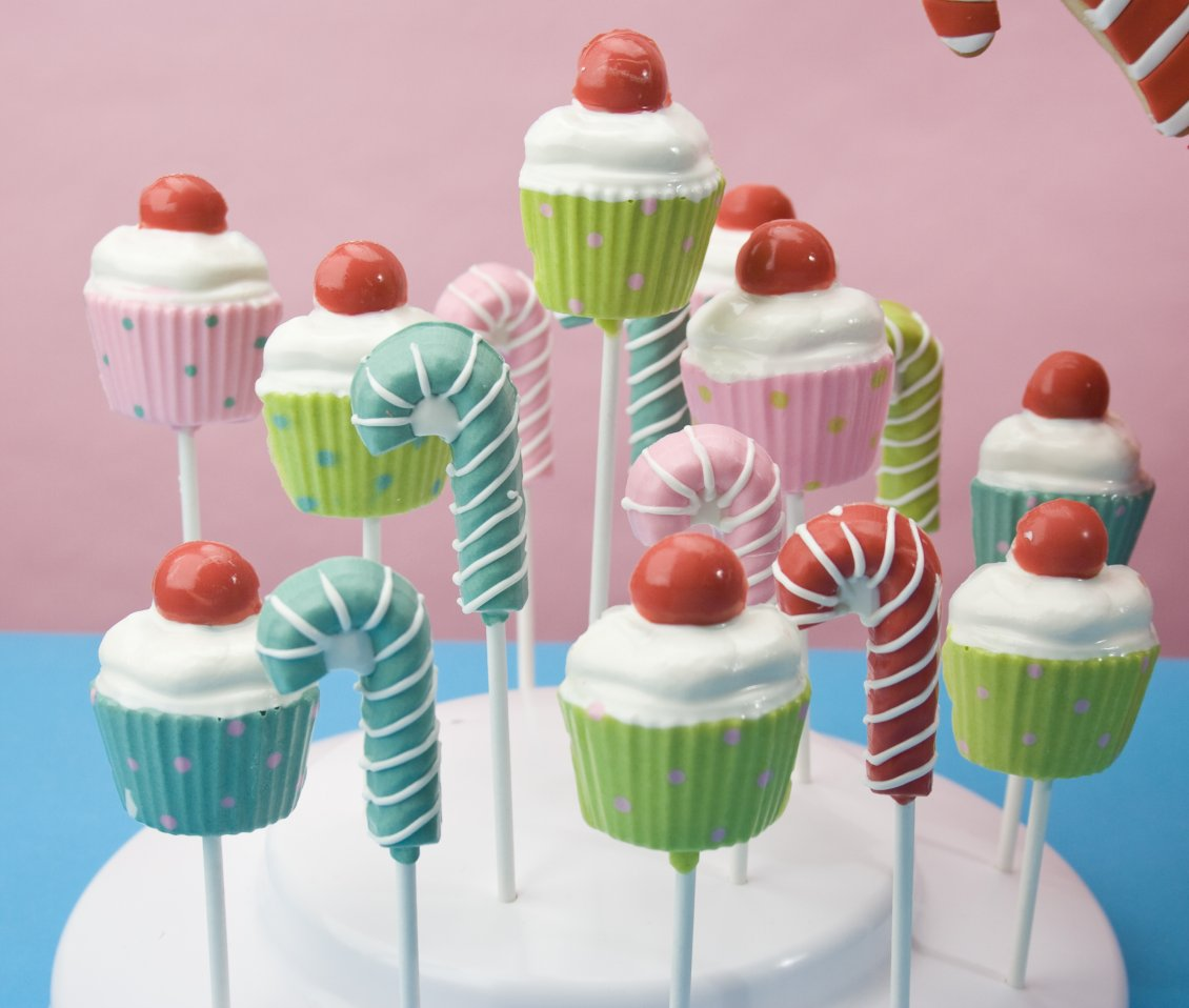 Download Wallpaper Delicious and sweet candies on the stick - Colorful desert
