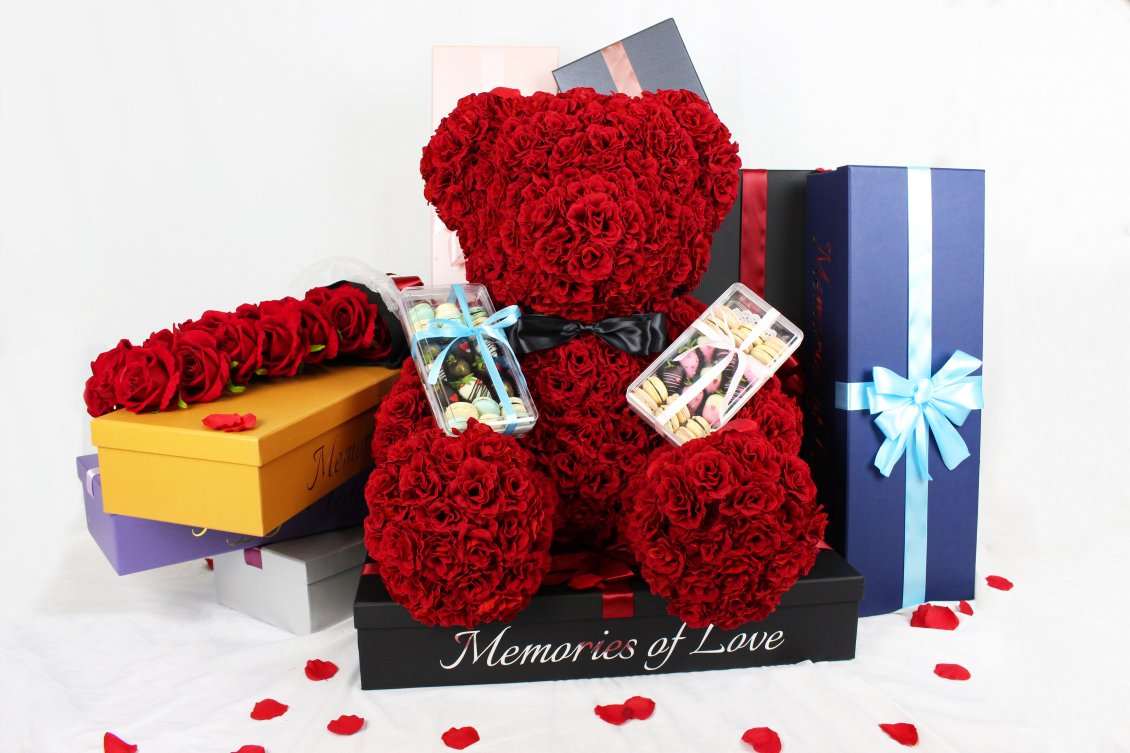 Download Wallpaper Bear made from red roses - Pure Love on Valentines Day