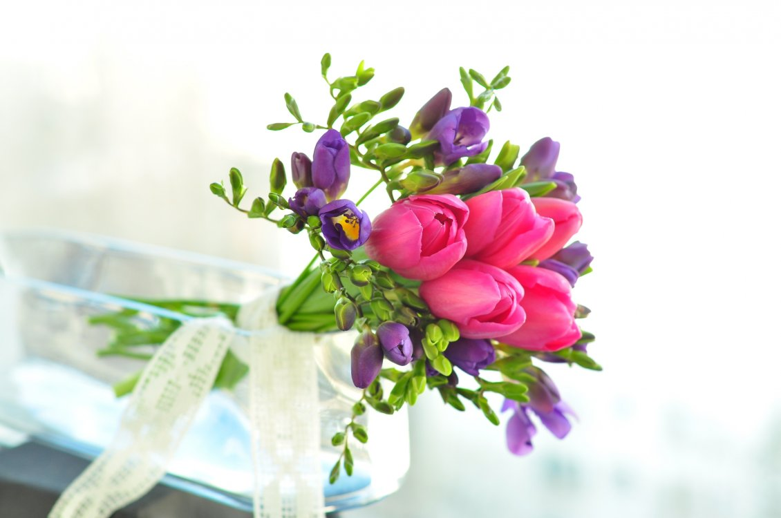Download Wallpaper Bouquet with pink and purple tulips - Special flowers