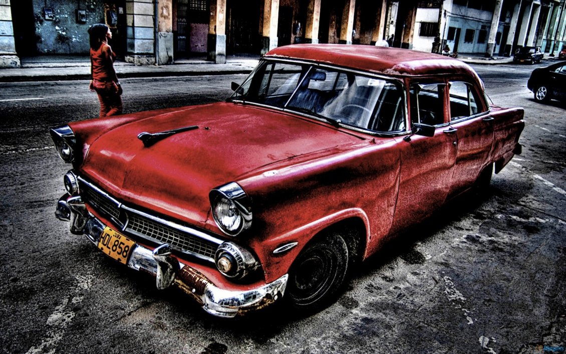 Download Wallpaper Red old car in the town - HD wallpaper