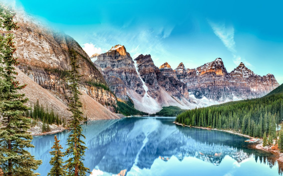 Download Wallpaper Wonderful nature landscape - Mountains and blue water lake