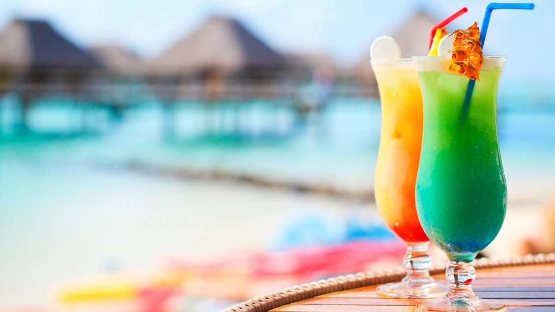 Download Wallpaper Two delicious summer cocktails - Fresh and cold drink